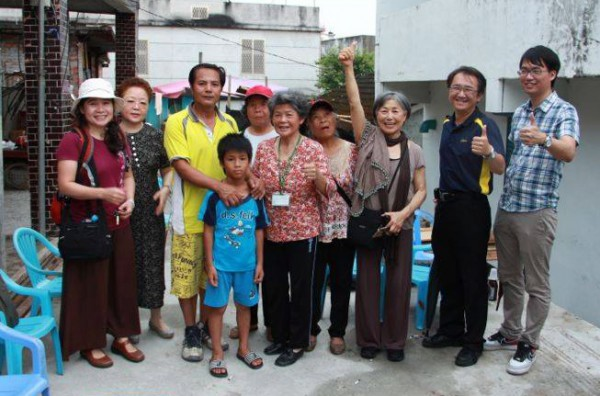 Meeting Chong An residents and visitors